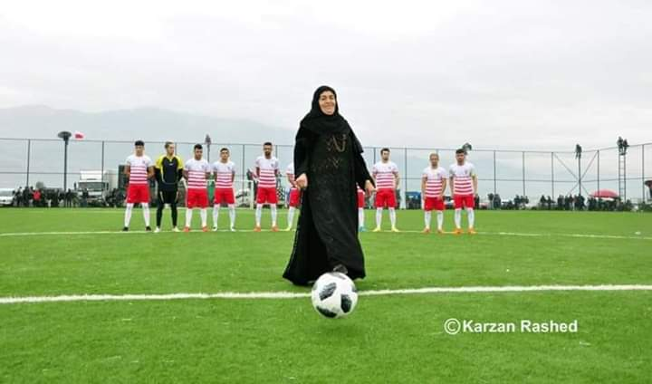 Hatya kurdis women is   From town #Saidsadq concern governor #Slemani in #Kurdistan  this women  big fans time football Saidsadq . Hatya any games ready to stadium and see play game #Saidsadq #Kurdistan #kurd #slemani #Erbil #football #sport #womensport #whomenpic.twitter.com/zSKvTMdmOU