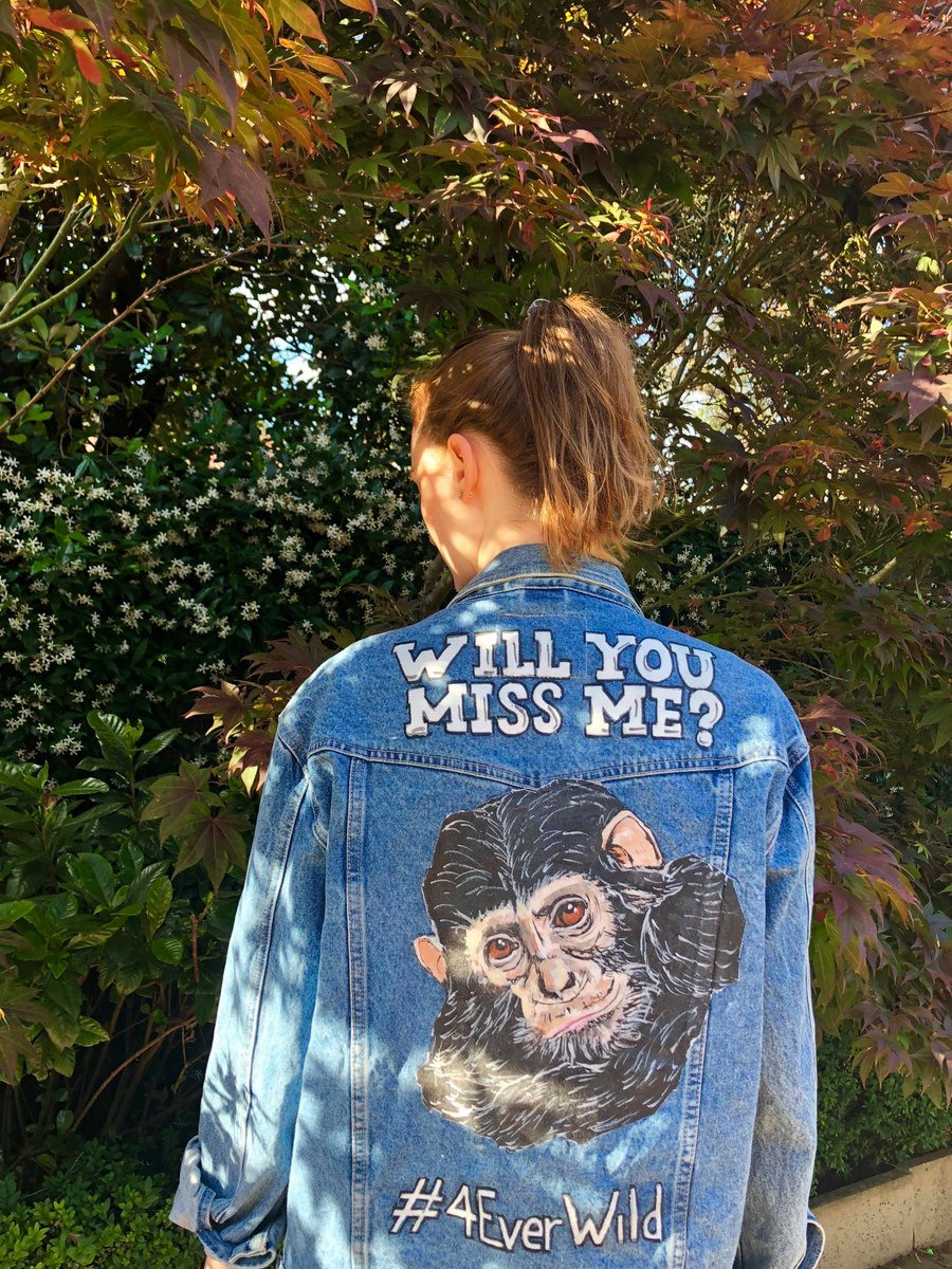 Aren&#39;t these jackets the BEST?! Show your support for our #4EverWild campaign and help keep the planet&#39;s most endangered species safe  https:// janegoodall.ca/join-us/campai gn/foreverwild/ &nbsp; …  #EndWildlifeCrime #SaveOurChimps #animals #AnimalWelfare #Conservation<br>http://pic.twitter.com/EnTBURgRA7