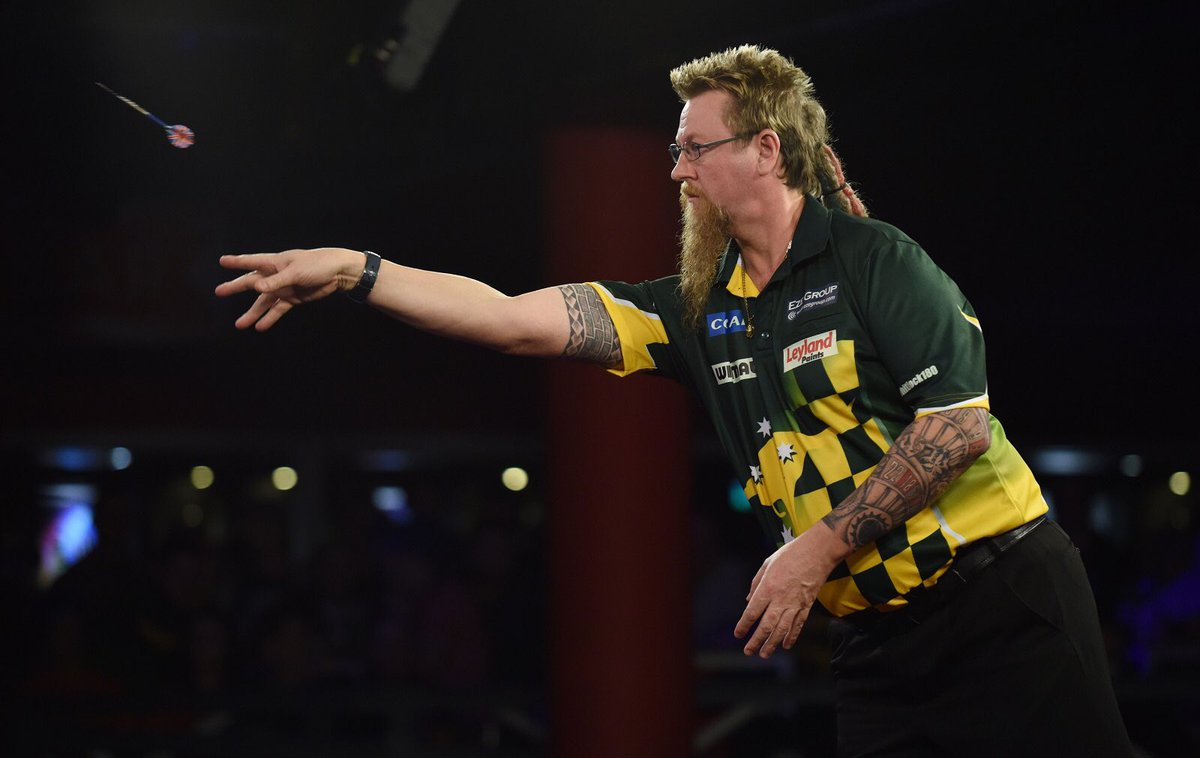 Simon Whitlock hit a nine-darter this evening in a local tournament held in Southampton. Is 'The Wizard' finding his form at the right time of the year?