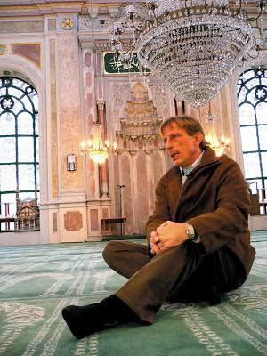 Hayırlı cumalar.😏 Beyler cumadan sonra ne için dua edeceğinizi söylememe gerek yoktur umarı #SizAnlaşınBizYANALım Photo
