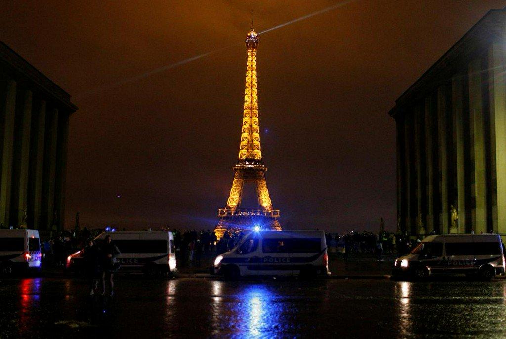 Eiffel Tower, Louvre among Paris tourism sites to close on Saturday https://reut.rs/2RFX1MS