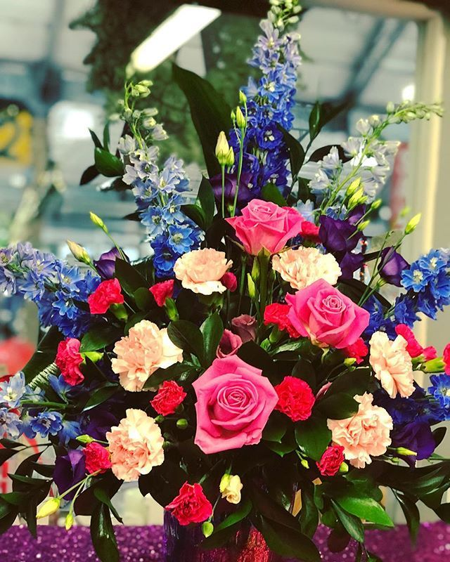 U Floria On Twitter On Sixth Day Of Christmas A 60th Wedding Anniversary Flower Arrangement For Our Very Special Customer Ufloria Ufloriaflowers 60th Wedding Anniversary Floral Arrangement Thursday 2018 Https T Co B1bll6n11w Https T Co