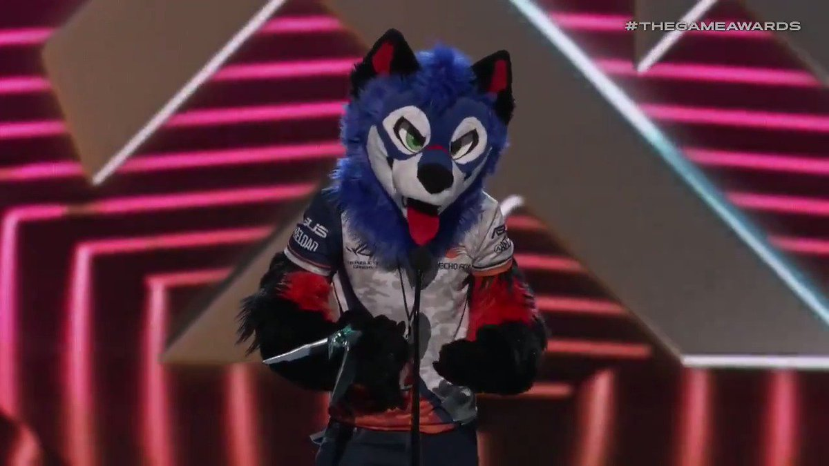 .@SonicFox5000 wins best esports player at #TheGameAwards https://bit.ly/2BUDhjd