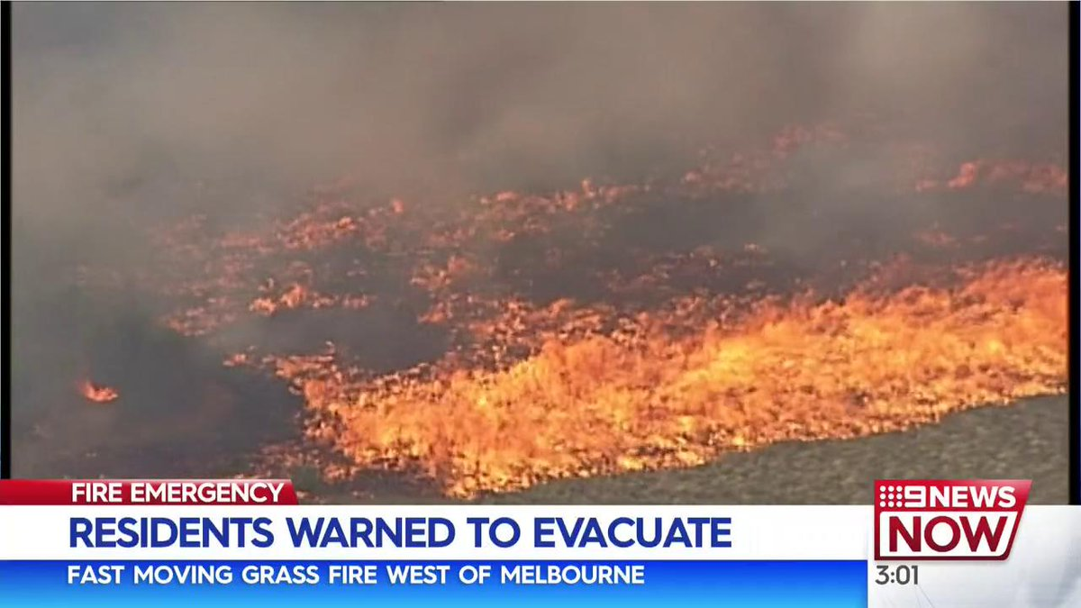 Grass Fire Burning Near Homes : Latest News, Breaking News