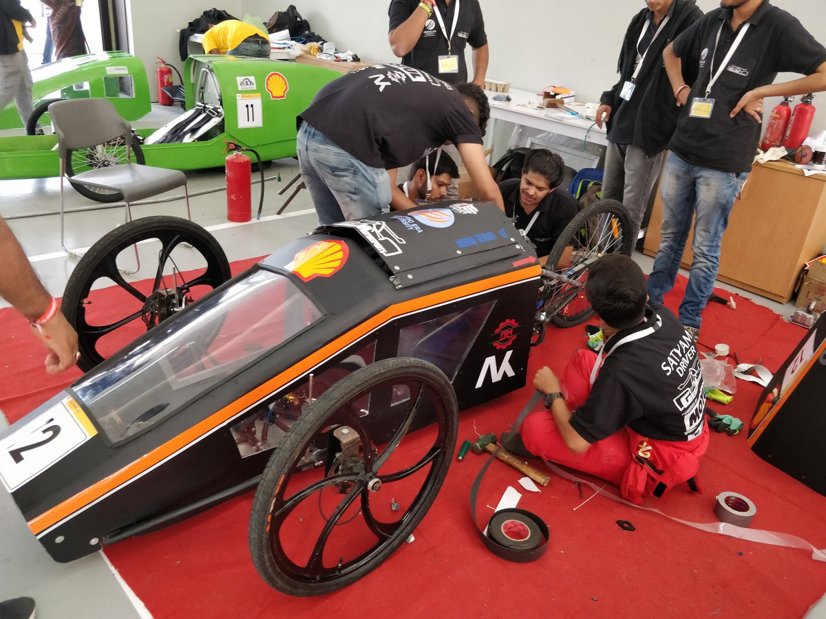 Evoindia On Twitter The Paddock Area At The Mmrt In Chennai Is Buzzing With Activity Students From Engineering Colleges In India And From Abroad Have Come Here To Take Part In The