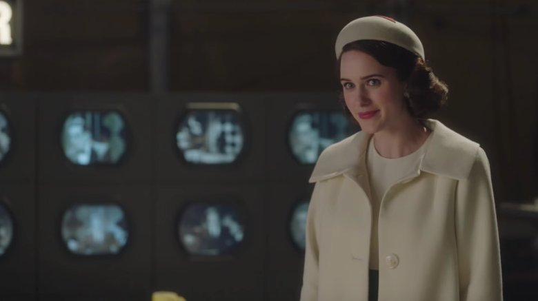 "Rachel Brosnahan on the complications of her role in #MarvelousMrsMaisel : ""People talk about Midge as a feminist hero, but I've felt very conflicted about that because I don't actually believe that Midge is a feminist. Yet.&quot;  https:// bit.ly/2RFyzeo  &nbsp;  <br>http://pic.twitter.com/DXwuFgz30a"