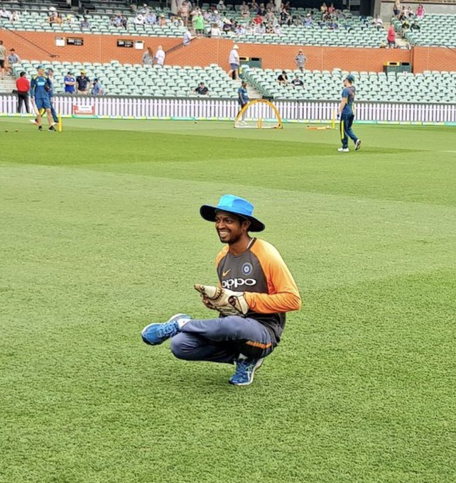 Team india @BCCI s most hard working guy RAGHU in th team management from giving throw downs in the nets to match tickets,hotel,logistics,food or ready to help the up the good work and by the way how can u sit like this man?On one leg👌can anyone copy👇 Photo