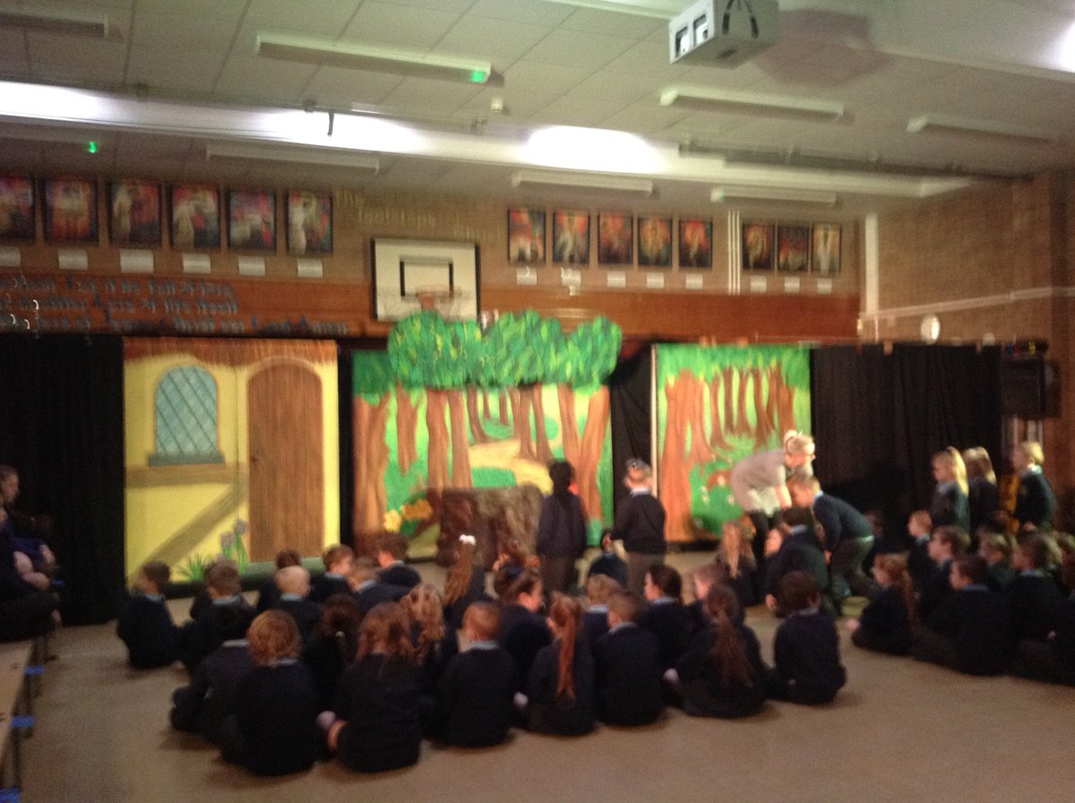 The panto has arrived! Oh no it hasn't! Oh yes it has! 😀