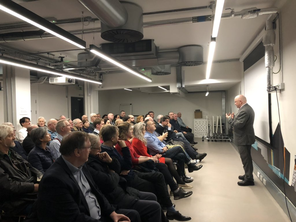Great day with @Barry_TheDetail &amp; @trevorbirney in #London yesterday, with full house for the film screening. If you care about press freedom &amp; importance of speaking truth to power - then watch #NoStoneunturned   https:// youtu.be/fqelW7Rhi-4  &nbsp;   #media #MediaFreedom #journalismisnotacrime<br>http://pic.twitter.com/pIvwVB6UMx