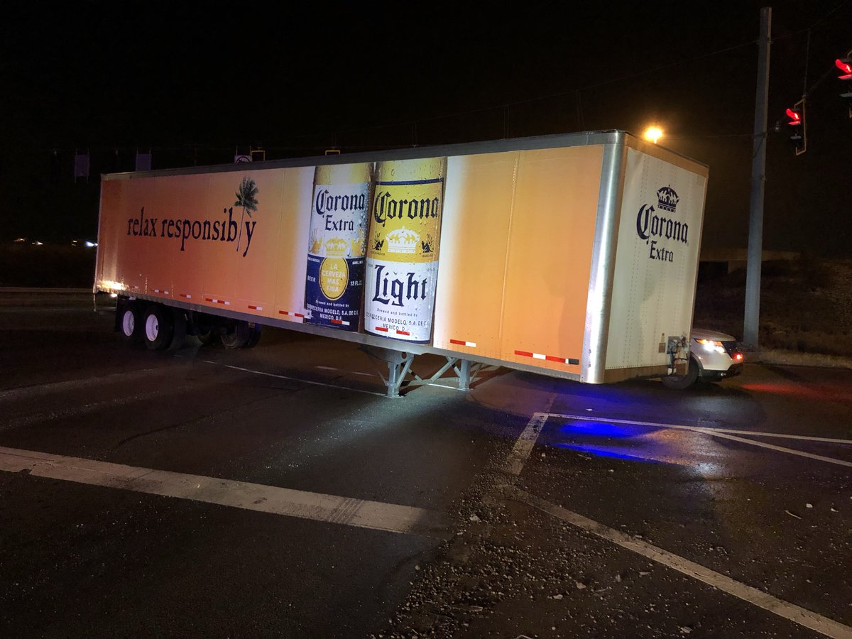 PENDLETON PIKE &amp; I-465: A truck driver lost his trailer full of beer on the west side of the overpass. None of the cargo spilled out, &amp; none of the lanes or ramps are completely blocked, but that may change when wreckers get here. No injuries, expect some slowdowns. #Daybreak8 <br>http://pic.twitter.com/HHK4Co9Kks