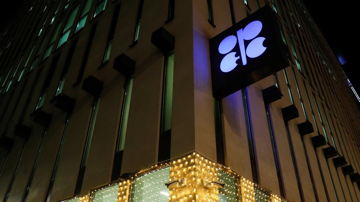 Why Trump and Russia could mean no deal at OPEC https://reut.rs/2RB7XLO