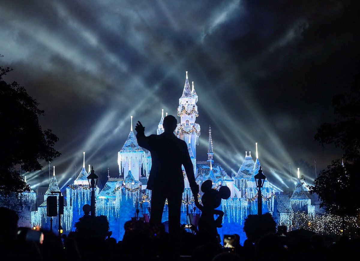 """""""If you can dream, you can do it. Always remember that this whole thing was started by a mouse."""" - Walt Disney"""