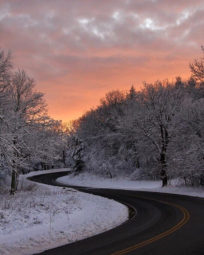 Curves in the road & colors in the sky @ShenandoahNPS #Virginia #FindYourPark