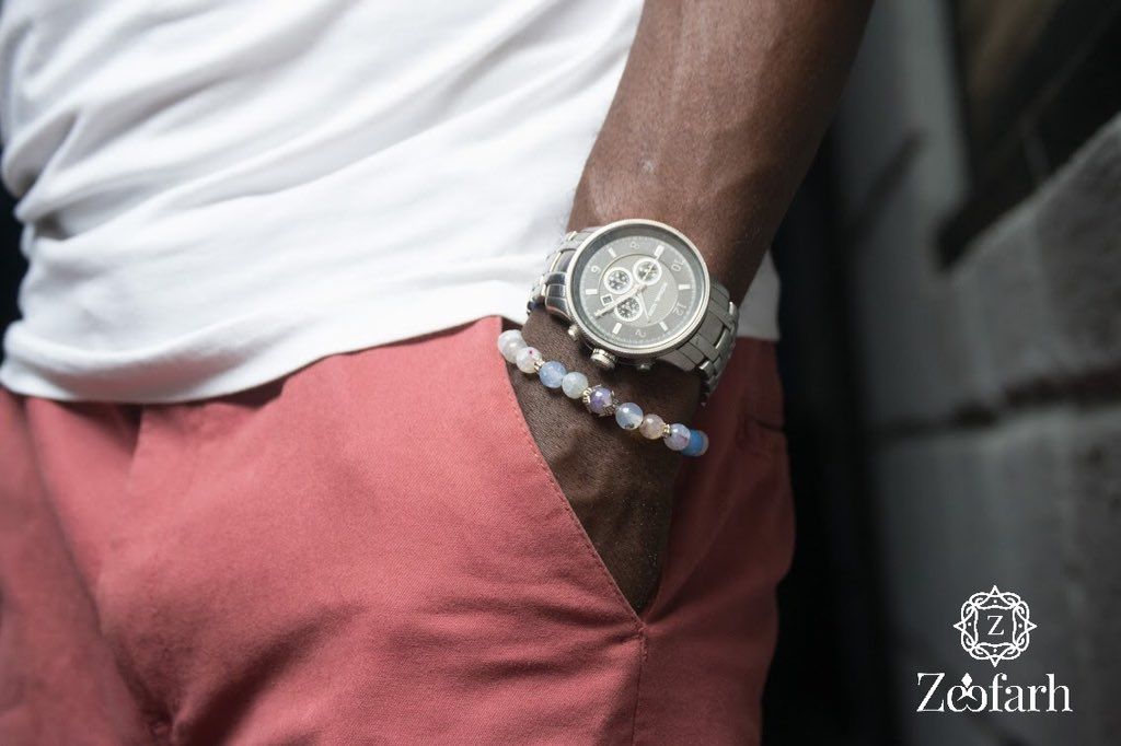 Casual Style Inspiration!  Play around with colors and slay effortlessly this casual Thursday, because white and peach never went wrong.  #zeefarh #wearzeefarh #casualthursday #casualstyle  #meninlagos #sba #stylishnigerianmen #madeinnigeriabrand #braceletforsalepic.twitter.com/PvINjqjK6y