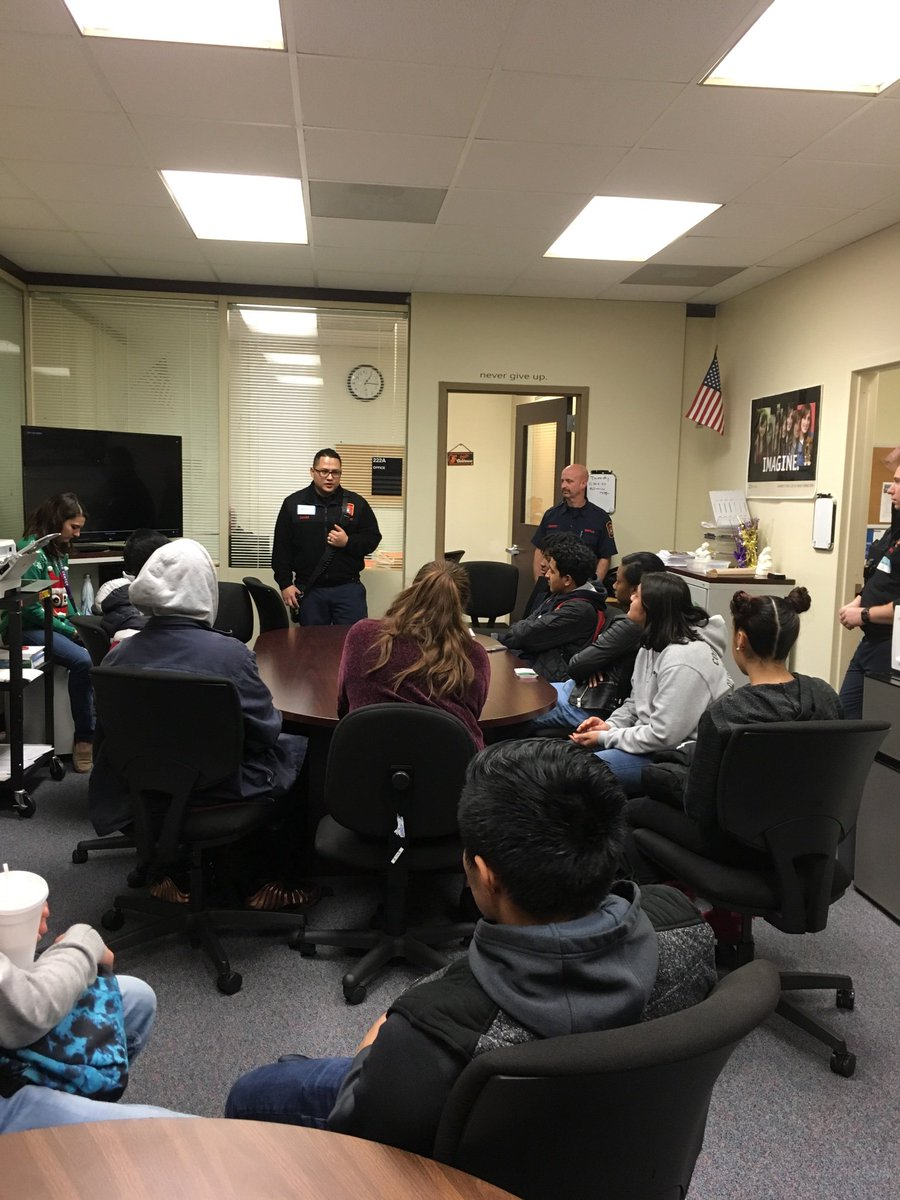 Thank you Arlington County Fire and EMT staff for talking to our students. <a target='_blank' href='https://t.co/rfvTzUAX5L'>https://t.co/rfvTzUAX5L</a>