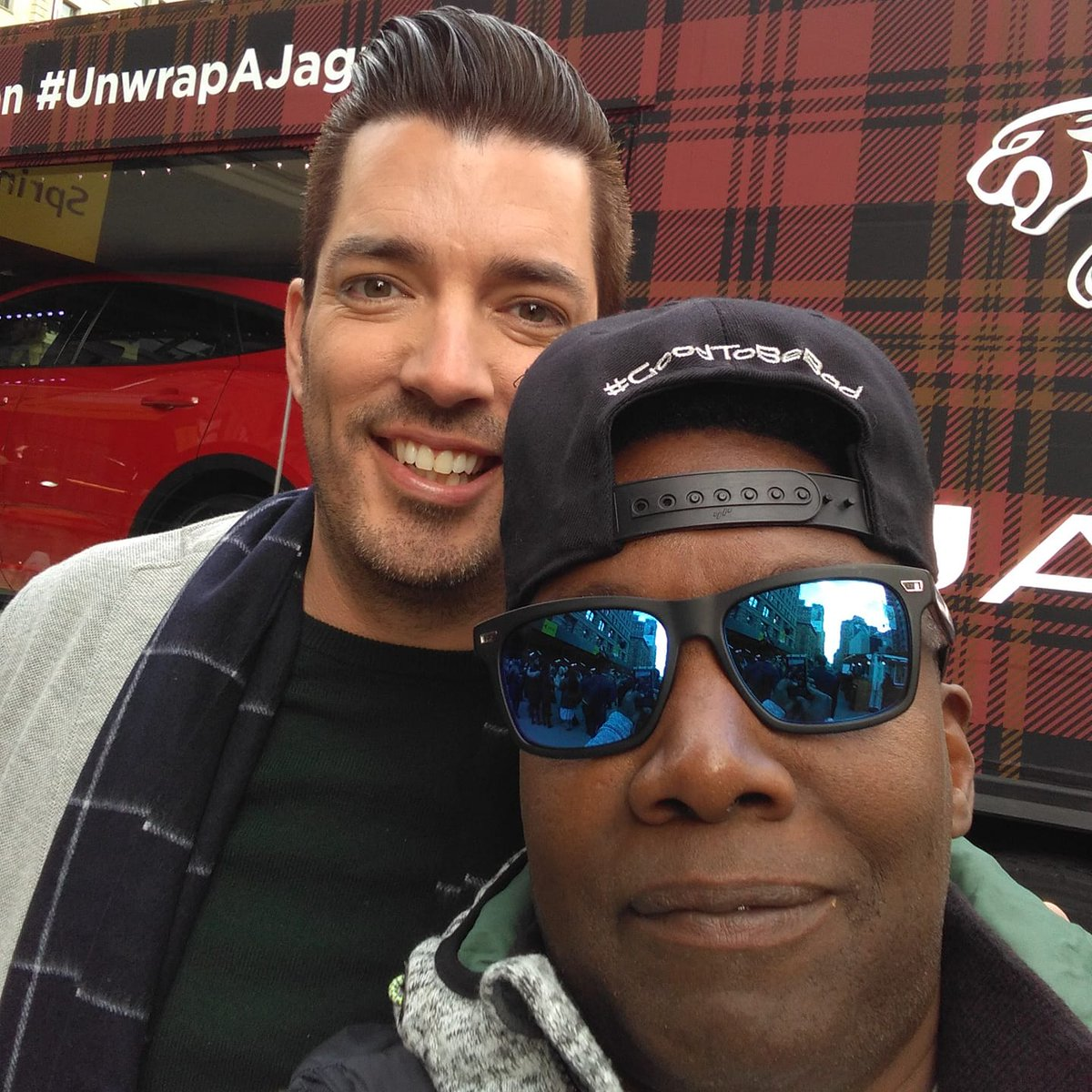 When we are done here I need you to see a apartment I want to buy  #unwrapajaguar #PropertyBrothers http://www.unnamedproject.com/featured/jonathan-scotts-mobile-holiday-window-featuring-the-jaguar-e-pace-suv/…  @MrSilverScott #unwrapajaguar @jaguarusa #Jaguar @InteractiveJag @Jaguar #jonathanscott @JSSIsMine #stylehim #holiday2018