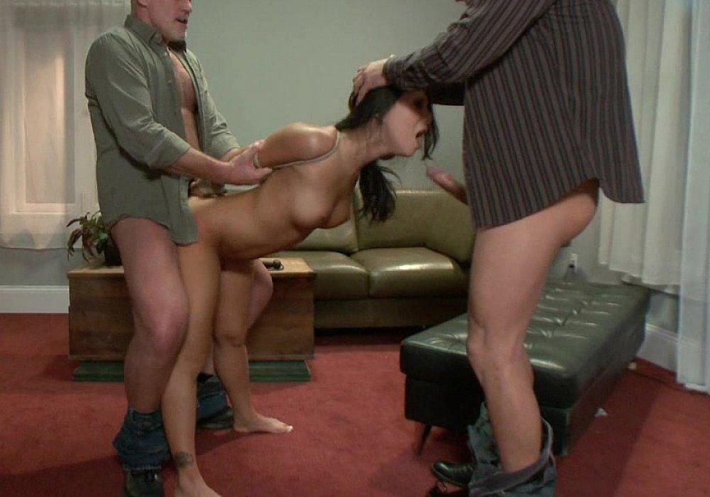 Скромную сучку наказали сексом стащил себя