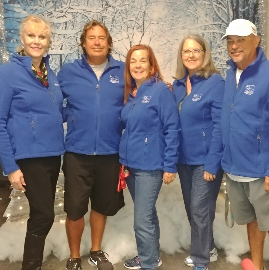 Meet the related arts team from MES, today our wonderful administration gave everyone beautiful @ManateeCCPS jackets!  Wow what a treat for the entire staff. Thank you MES Admin.  @collierschools #ManateePride #CCPSFamily #ManateeStrong