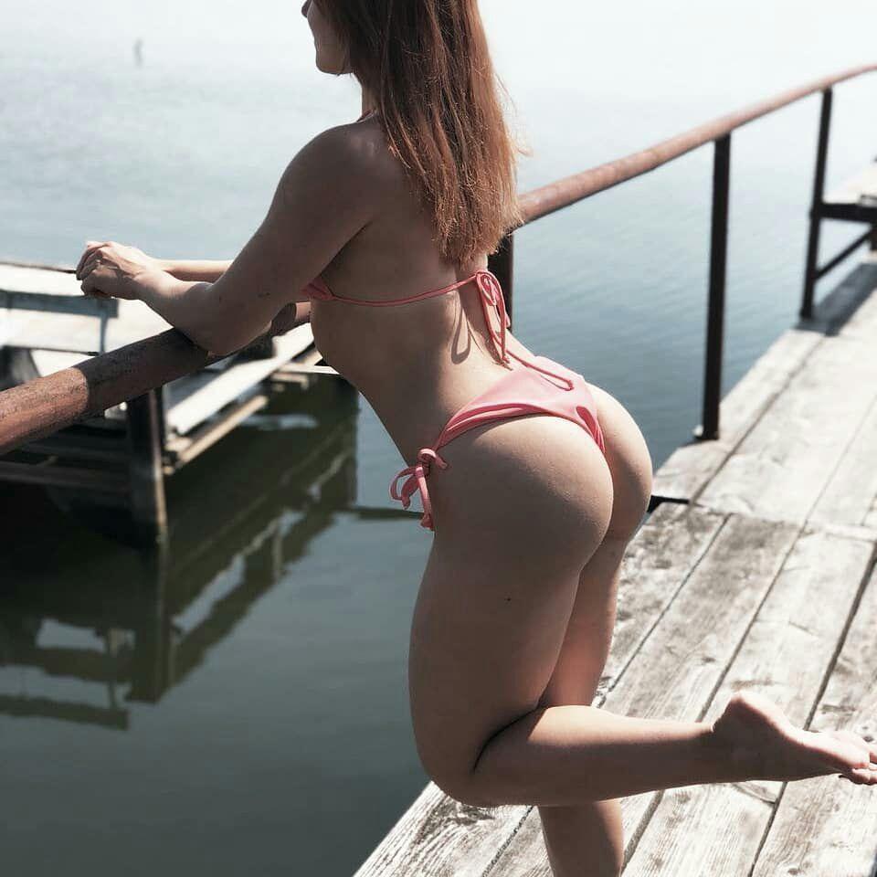 Nude emily cox Courteney Cox