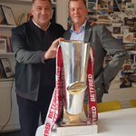 Great to welcome to the office @shaun_wane Head Performance Coach @Scotlandteam and former @WiganWarriorsRL Head Coach.  He brought along the Super League Grand Final Trophy won by Wigan in October 2018 #rugbyleague #rufc
