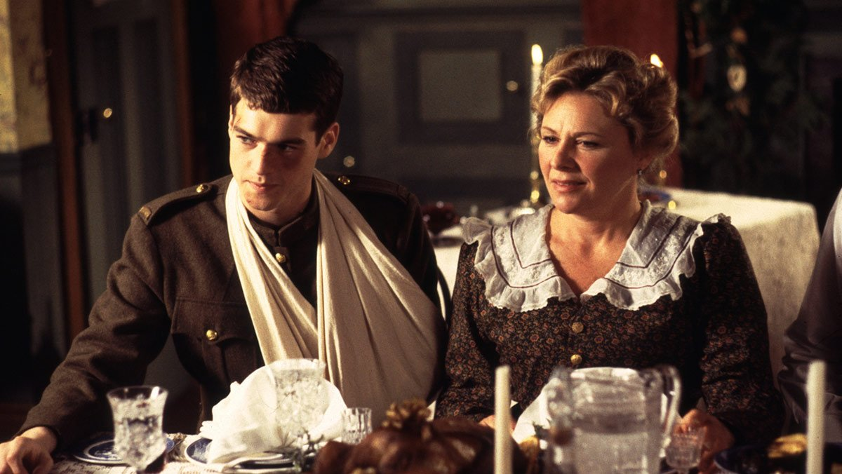 """""""An Avonlea Christmas: Happy Christmas Miss King"""" tonight at 8pm ET on @VisionTV. > http://ow.ly/fR7u30n3Xlr #Canadian #Classicpic.twitter.com/RoB78MqFy1"""