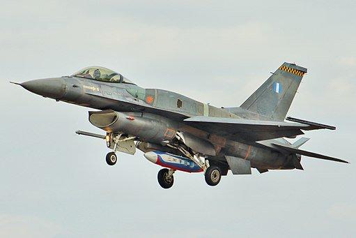 اليونان ستحدث مقاتلاتها ال F-16 للنسخه Viper وستشتري ال F-35 Du6HvQ_UYAUOnH7
