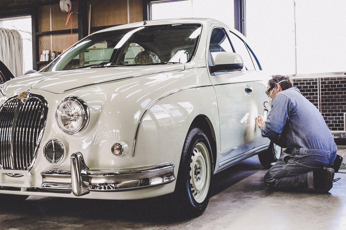"""টুইটারে 光岡自動車: """"クリスマスシーズンを職人たち家族と過ごすビュート。 このビュート25周年記念特別仕様車はクリスマスイブの日まで受け付けております。  Website: https://t.co/UYCQ0kHxL0 #Viewt #craftsmanship #25thanniversary  #mitsuoka #colors #art ..."""
