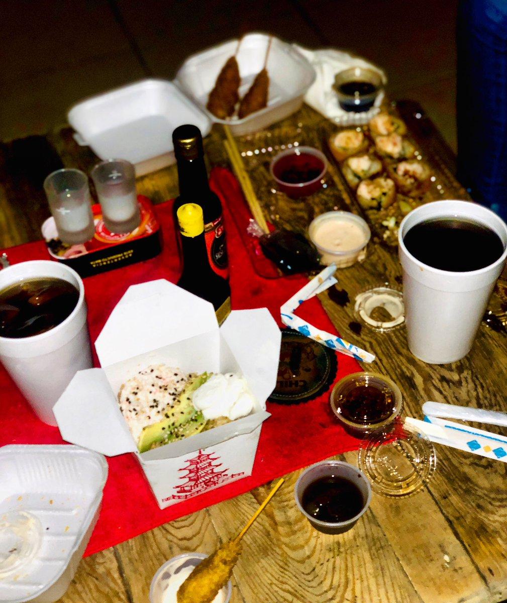 Una Rica Cena En Hong-Kong Con Una Gran Compañía Disfrutando De Este Magnífico Restaurant  #CompartiendoSonrisas #Felicidad #Agustirris #CenandoRico #CenaRomantica #SiMeLaRifo