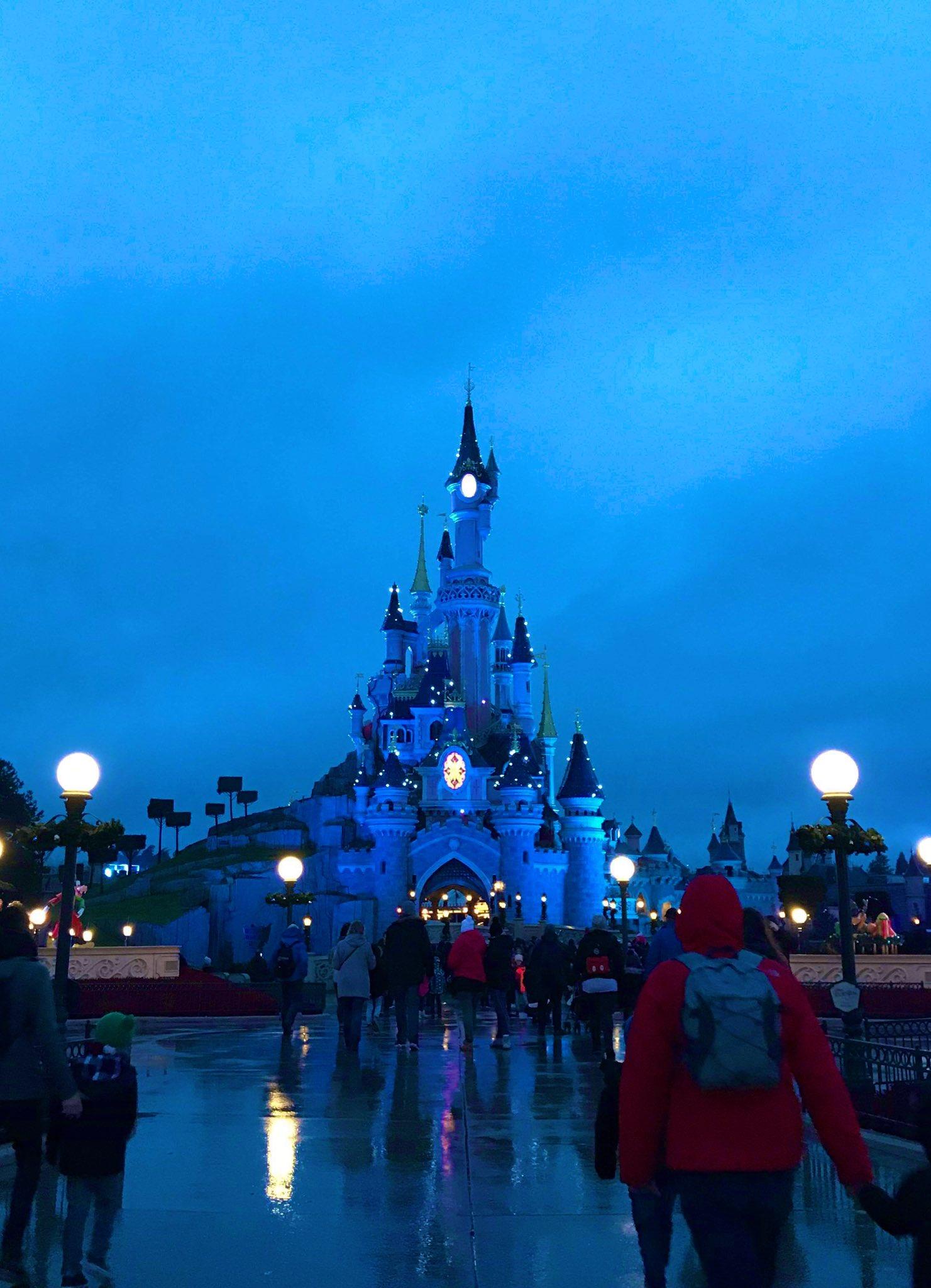 [Saison] Le Noël Enchanté Disney : une célébration Mickeyfique (2018-2019) - Page 17 Du7I2fDXgAAD0a8