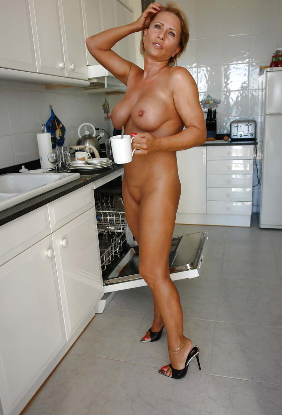 B nackt lady Lady legsworld