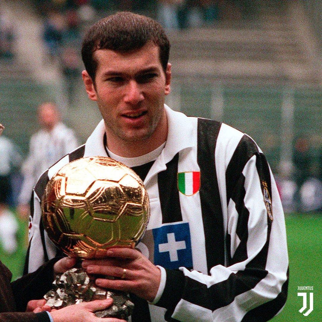 df1b78f2237 JuventusFC on Twitter