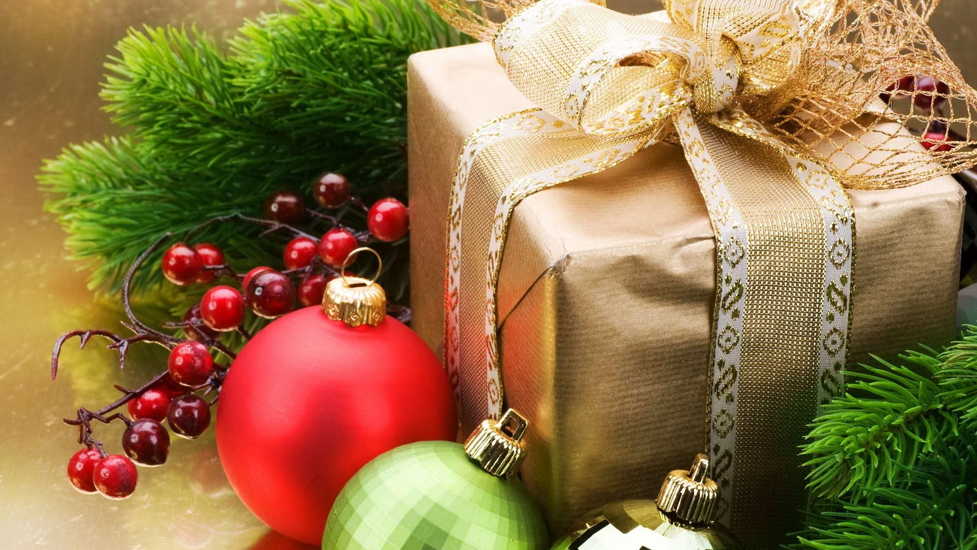 Открытки, картинка с подарками на новый год