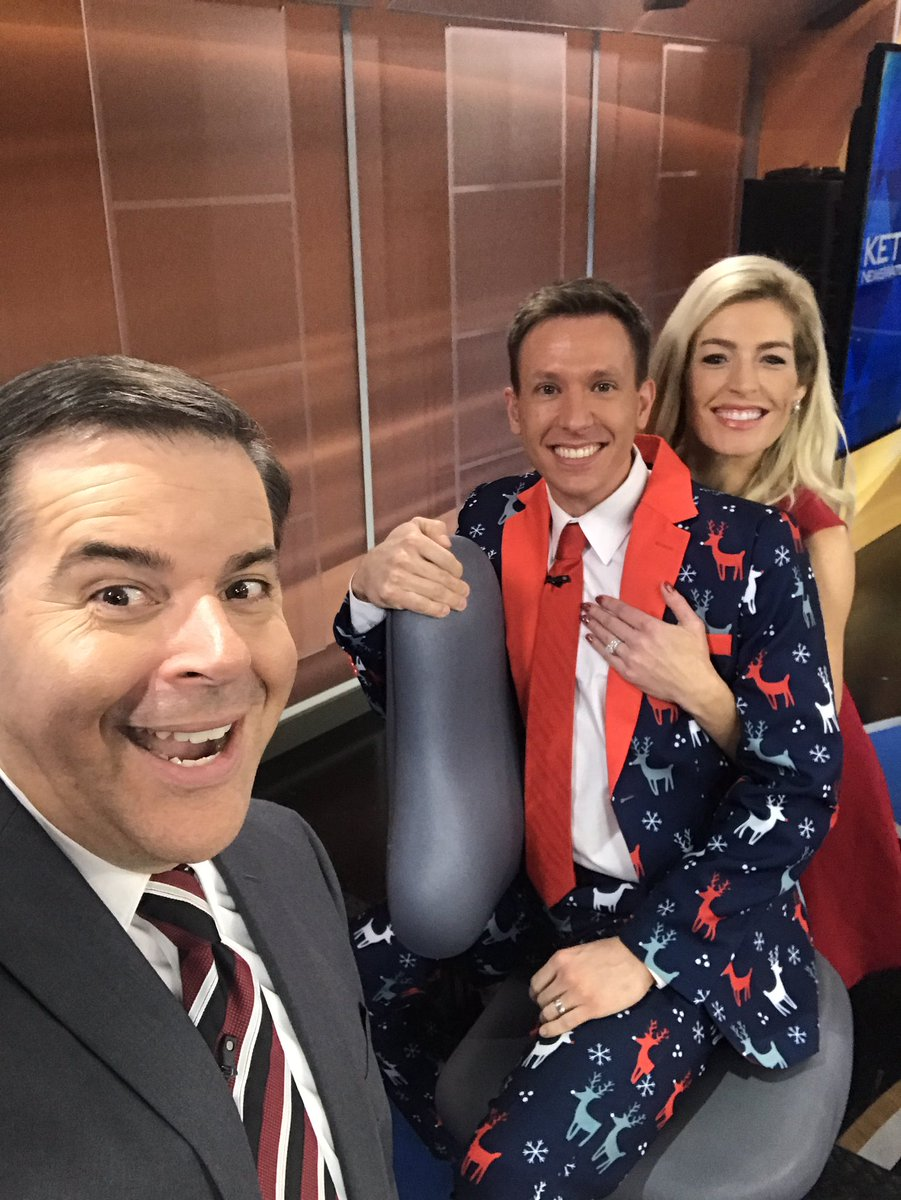 Matt Serwe Christmas Suit 2021 Matt Serwe Ketv On Twitter The Last Time I M Around These Two For A Little Bit Just Some Christmas Vacation Don T Worry I Can T Wait For The Break Https T Co Edo01n4x7f