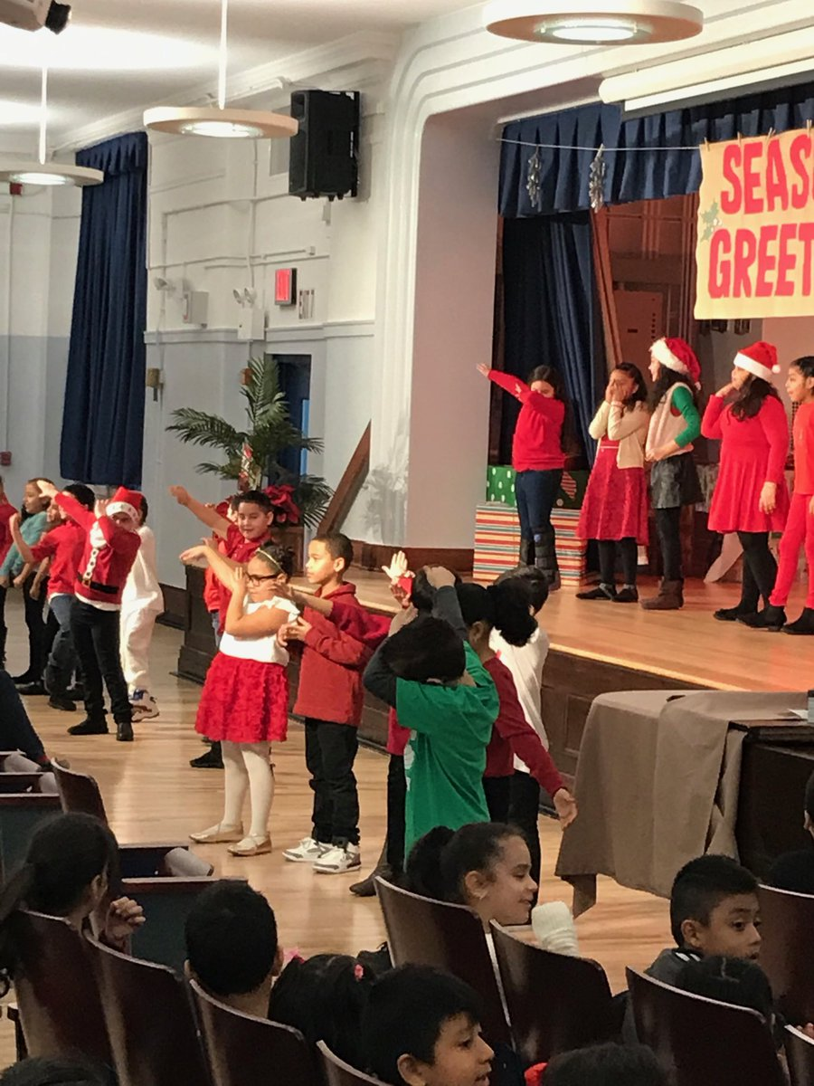 Class 3-121 rocks the Holiday @ PS68q #ps68q
