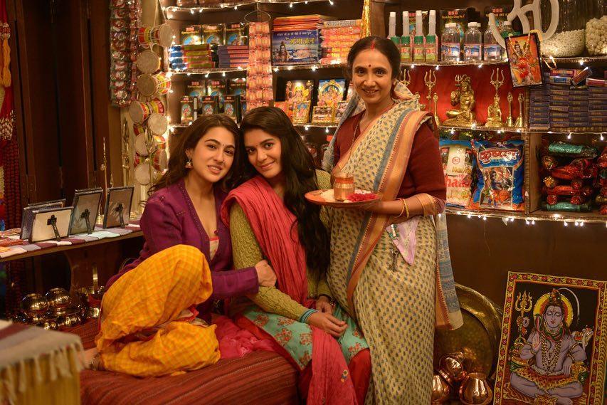 "Team Sara Ali Khan on Twitter: ""Bts of #Kedarnath ❤ #SaraAliKhan #poojagor…  """