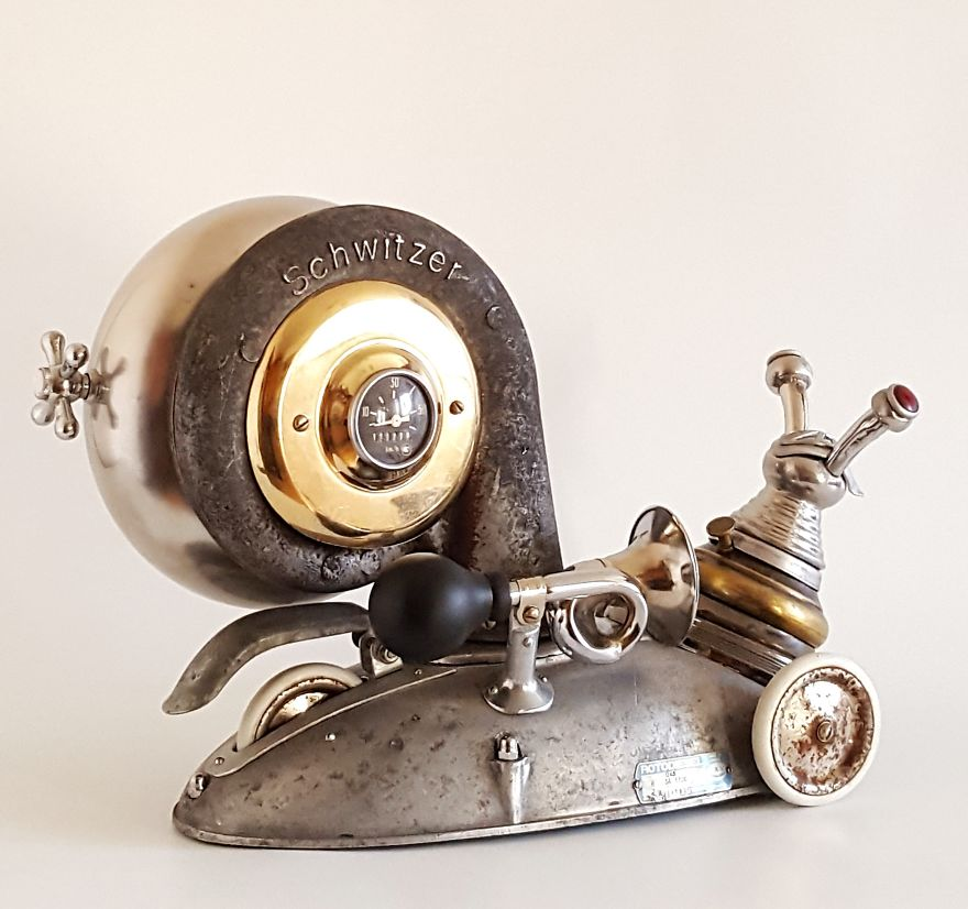 #Art Awesome of the Day: Industrial #Steampunk-ish ⚙️ #Sculpture from recycled teapot and hookah metal part made by Artūras Tamašauskas via @Distinctboxes #SamaArt