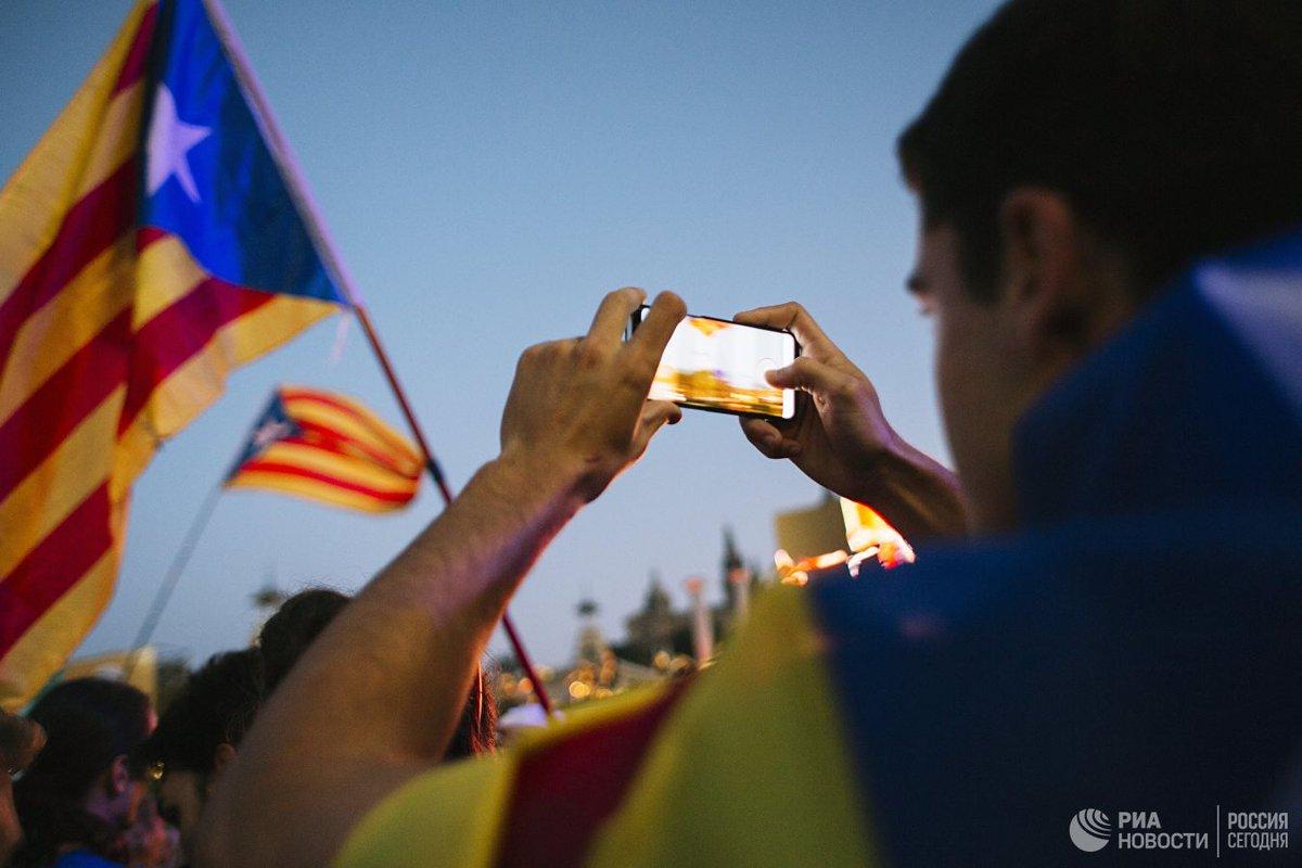 В Каталонии сепаратисты захватили пропускные пункты на платных дорогах  https://t.co/fLx1wHbdeA