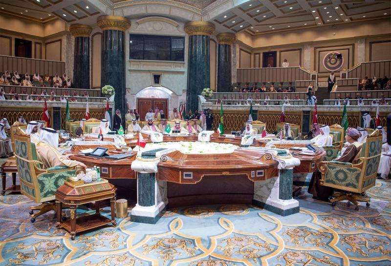 #Qatar rift overshadows Gulf Arab summit as emir stays away https://t.co/hP3d2rkNfs