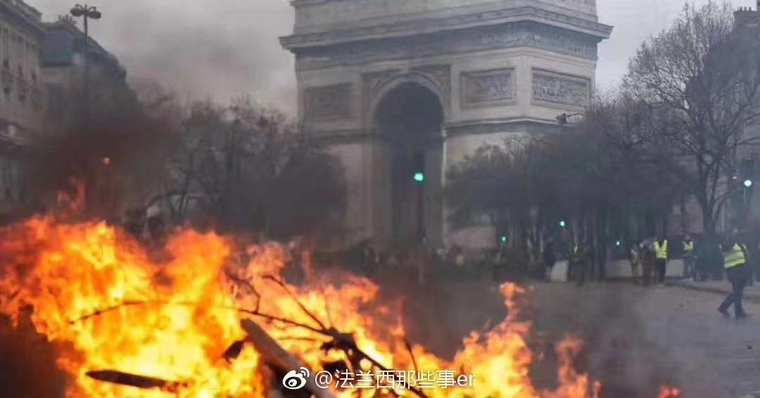 'Paris burns'