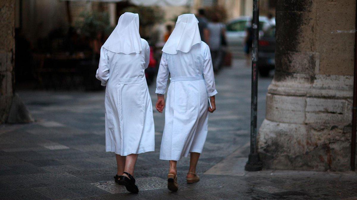 Dos monjas de una escuela católica robaron medio millón de dólares y lo gastaron en viajes y casinos https://t.co/NHO9Jeqj2d