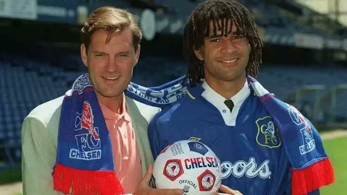 Gullit: My decision to join #Chelsea was mainly because of Glenn Hoddle. He understood the type of football I was playing. He was trying to get that across to the team, so it was really fun time. I had one of the best periods of my career at Chelsea, I really enjoyed it. #CFC Photo