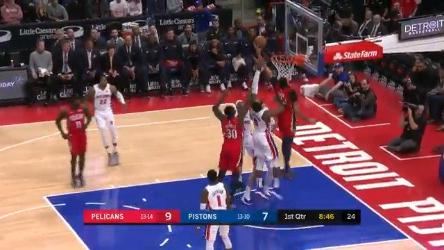 Anthony Davis slams it home with the left! ��  #DoItBig 17 #DetroitBasketball 11  ����: https://t.co/iPjKqpSDr5 https://t.co/ropXueMsLO
