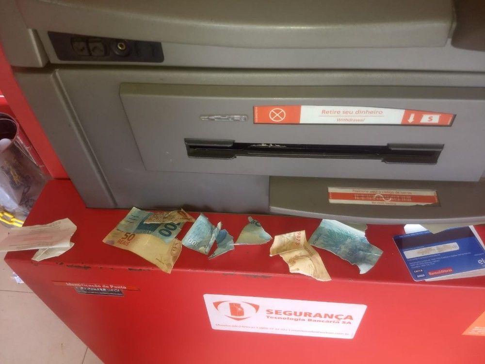 Estudante tenta reaver R$ 150 após caixa eletrônico entregar notas picadas no DF https://t.co/hvLRBdUgt0