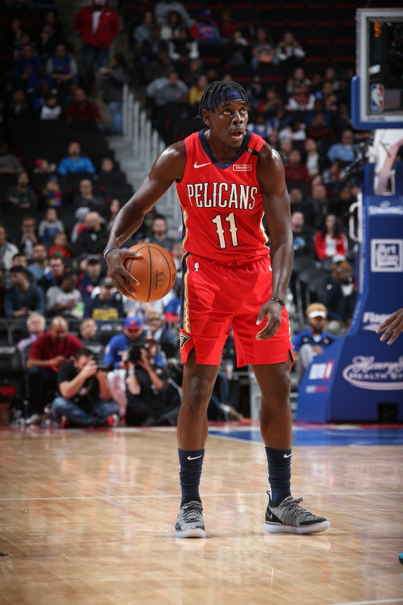Jrue Holiday (18 PTS, 5 AST) & Julius Randle (16 PTS) help the  tak@PelicansNBAe a lead into the break!   56 #DoItBig 50 #DetroitBasketball WATCH on NBALP: https://t.co/iPjKqpSDr5
