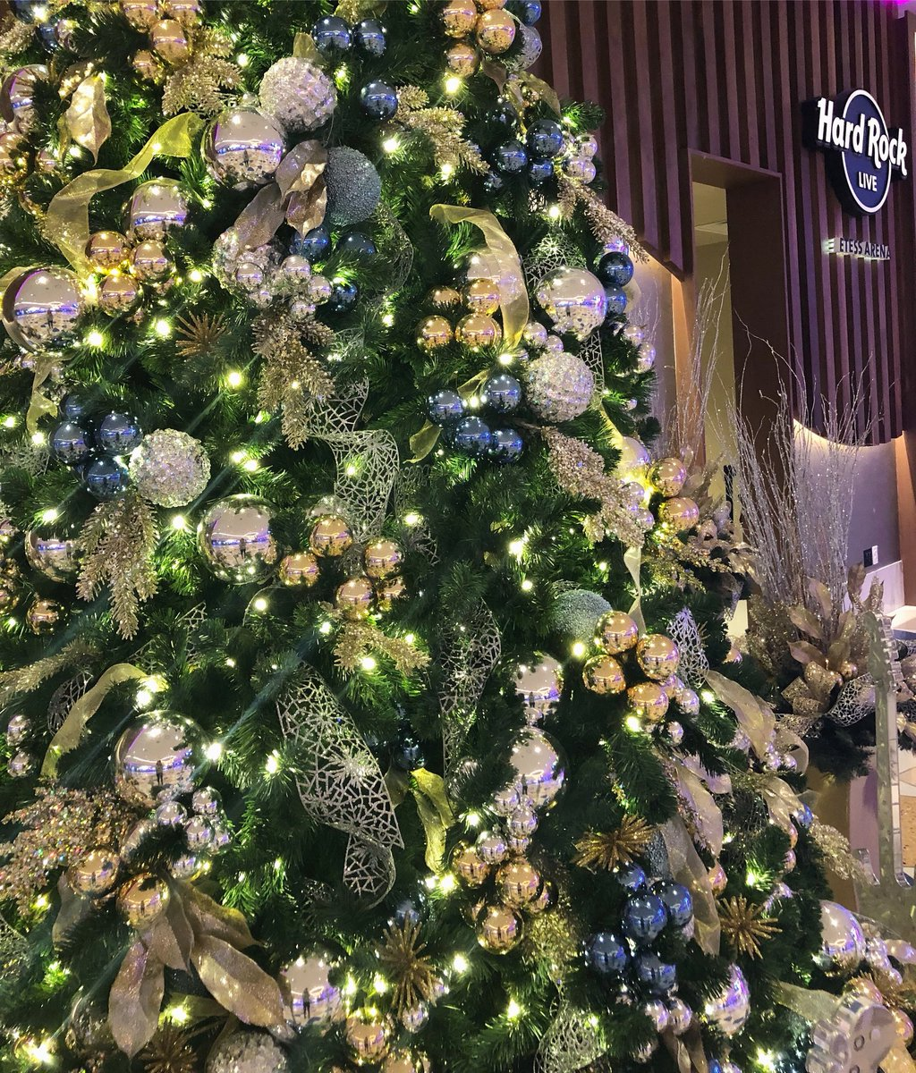 Rock Around The Christmas Tree.Hard Rock Atlantic City On Twitter Hard Rockin Around The