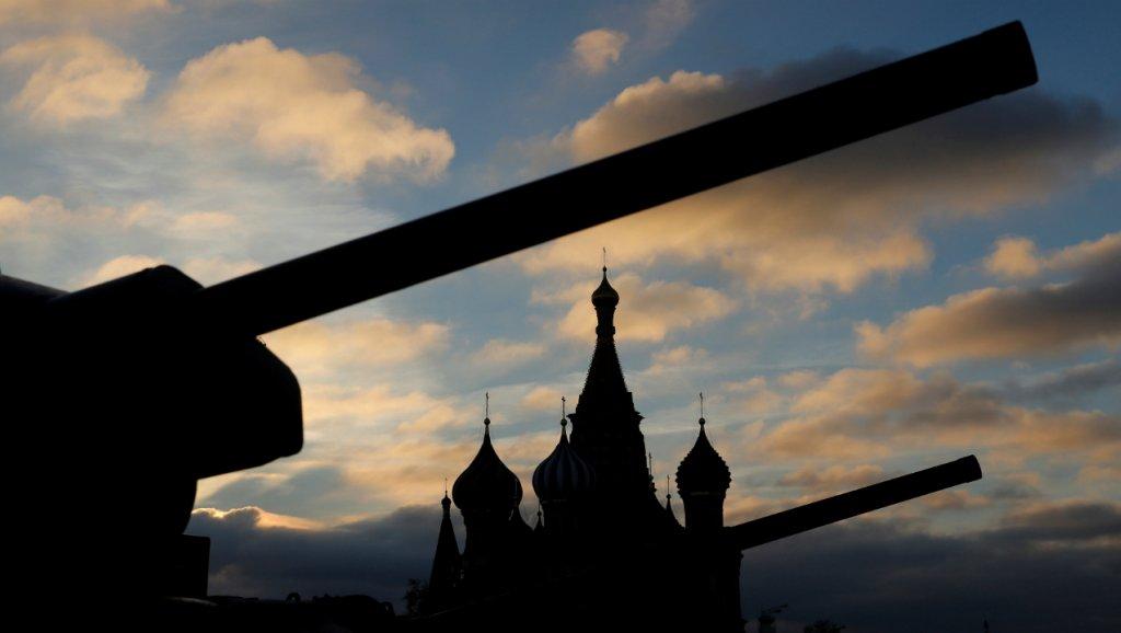 La Russie devient le deuxième plus gros producteur d'armes https://t.co/RLu2Ivw2LT