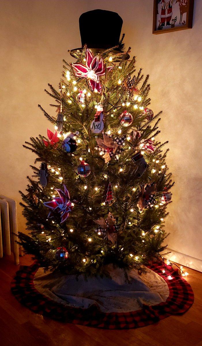 Joker Christmas Ornament.Joker On Twitter I Think Our Christmas Tree Is Done For