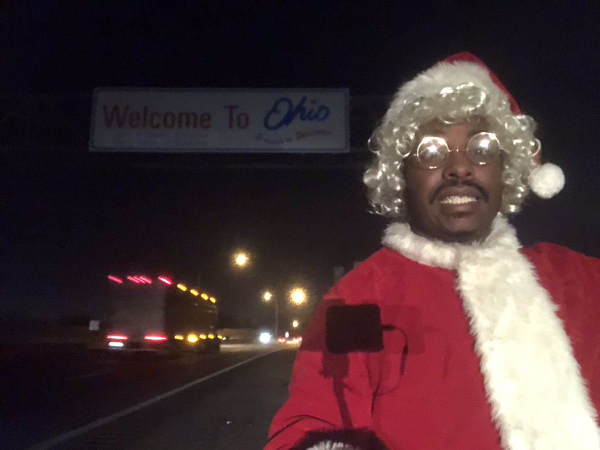 Ho ho, ho. Hello OH . I had to wait to take a picture at the OH sign near MI because the sign at the WV line for OH wasn't accessible . Columbus,OH is done . Headed to Detroit .