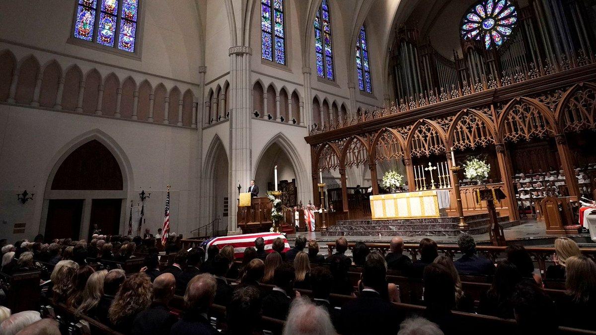 Incredibly Popular George H.W. Bush Funeral Gets Extended 2-Week Run  https:// trib.al/ntdTjGE  &nbsp;  <br>http://pic.twitter.com/9GDBXzP8CM