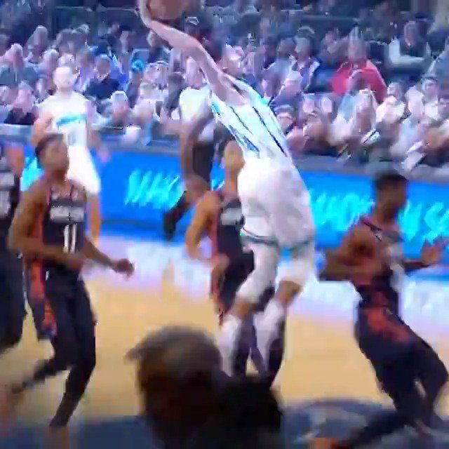 Image for the Tweet beginning: MKG's swat sparks Malik Monk's